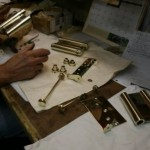 spring hinge | polished brass lacquer | restoration | 2